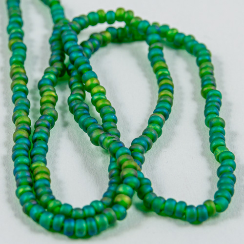 0317 Half hank 11/0 sead bead lime transparent matt iris