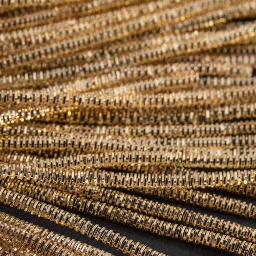 AA108. Light gold bright check purl 1.3mm (3 metres)