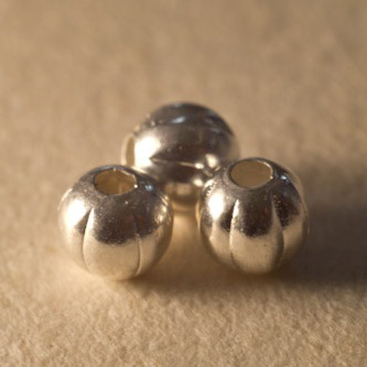 Corrugated sterling silver plated round beads 2.5mm